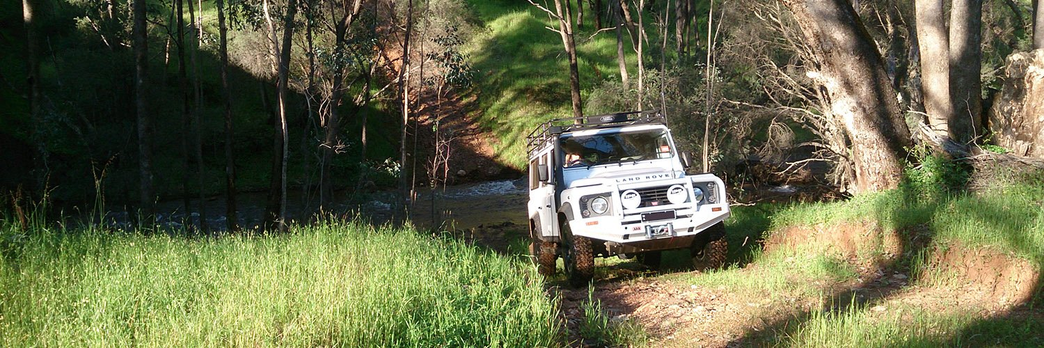 Western Wilderness 4WD train drivers in all types of four-wheel drive vehicles for safe, trail, rock, sand off-road training.