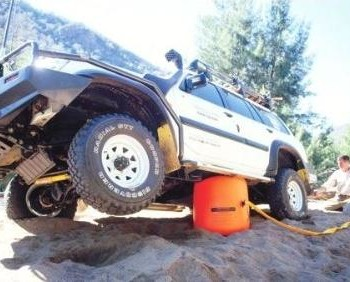 How to correctly and safely use the exhaust jack for vehicle recovery.